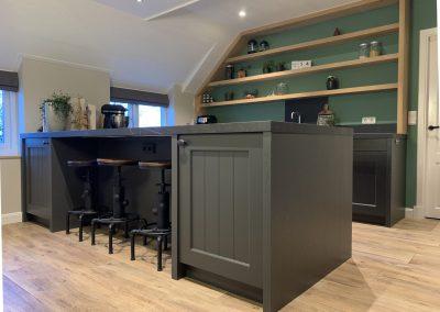 Antracieten houten keuken met werkblad Kelya